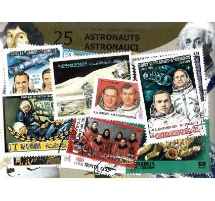 Pakiet filatelistyczny ASTRONAUCI 25 znaczkow