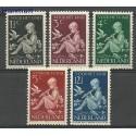 Holandia 1940 Mi 375-379 Z podlepką *